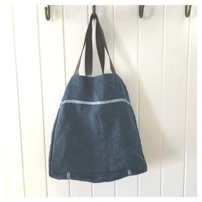 [Holiday West Haven Tote Bag in Denim Blue]