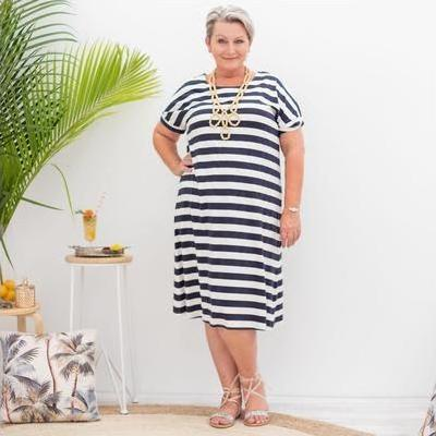 [Relaxed Jersey Dress in Black and White Stripes by Tirelli]