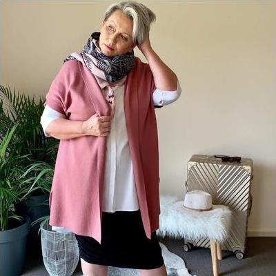 [Long Cardigan Vest in Rose Cashmere Blend]